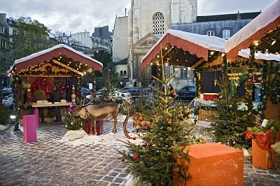 Gourmet Christmas tour in Paris